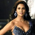 Esha Gupta Women Look Sexy Doing Action Onscreen-8