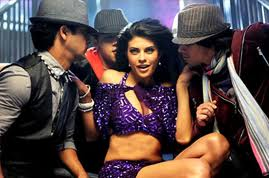 Jacqueline Fernandez seduces Saif Ali Khan in Race 2-2