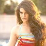 Jacqueline Fernandez seduces Saif Ali Khan in Race 2-8