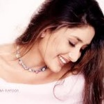 Kareena Kapoor Ranks Stylish Actress by Karisma Kapoor-9