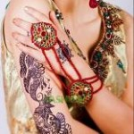 Latest Nail Art & Mehndi Designs 2013 by Hadiqa Kiani-6