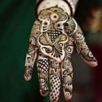 Latest Beautiful Hand Mehndi Henna Designs 2013-12