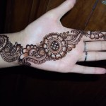 Newest Mehndi Designs 2013 For Girls-2