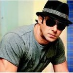 Salman Khan Gives Medical Aid to Cancer Patients-14