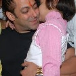 Salman Khan Gives Medical Aid to Cancer Patients-18