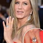 Jennifer Aniston Discovers Snake Skin Pedicures-1