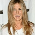 Jennifer Aniston Discovers Snake Skin Pedicures-10