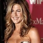 Jennifer Aniston Discovers Snake Skin Pedicures-11