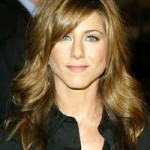 Jennifer Aniston Discovers Snake Skin Pedicures-12