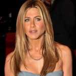 Jennifer Aniston Discovers Snake Skin Pedicures-13