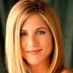 Jennifer Aniston Discovers Snake Skin Pedicures-14