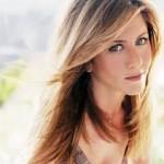 Jennifer Aniston Discovers Snake Skin Pedicures-16