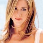 Jennifer Aniston Discovers Snake Skin Pedicures-17