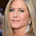 Jennifer Aniston Discovers Snake Skin Pedicures-4