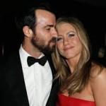 Jennifer Aniston Discovers Snake Skin Pedicures-5
