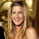 Jennifer Aniston Discovers Snake Skin Pedicures-7