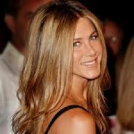 Jennifer Aniston Discovers Snake Skin Pedicures-8