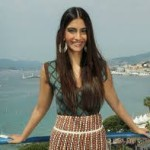 Sonam Kapoor gets rights for Novel by Anuja Chauhan-2