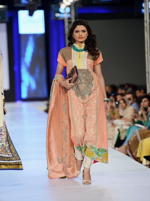 Latest clothes, latest outfits fashion, latest women dress, spring summer 2013, lifestyle, life and style, spring summer collection, spring summer, fashion week, fashion week 2013, pakistani fashion, pakistani dresses, pfdc fashion week, pfdc sunsilk fashion week, textile design, summer dresses, firdous textile mills