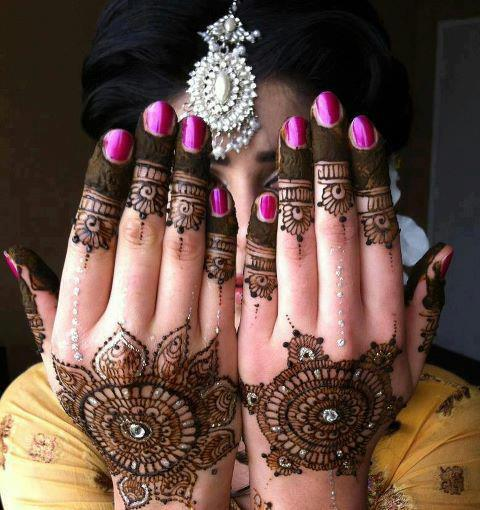 New Bridal Mehndi Designs 2013 for Girls Latest Nail Art & Mehndi Designs 2013 by Hadiqa Kiani