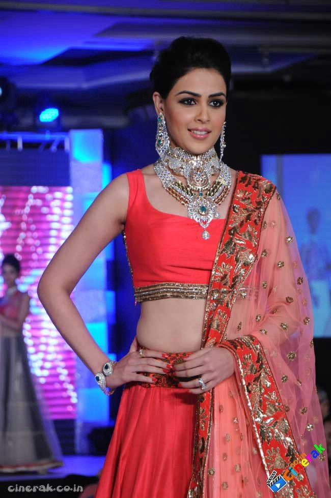 Genelia Deshmukh walks on the ramp for HVK Jewellery