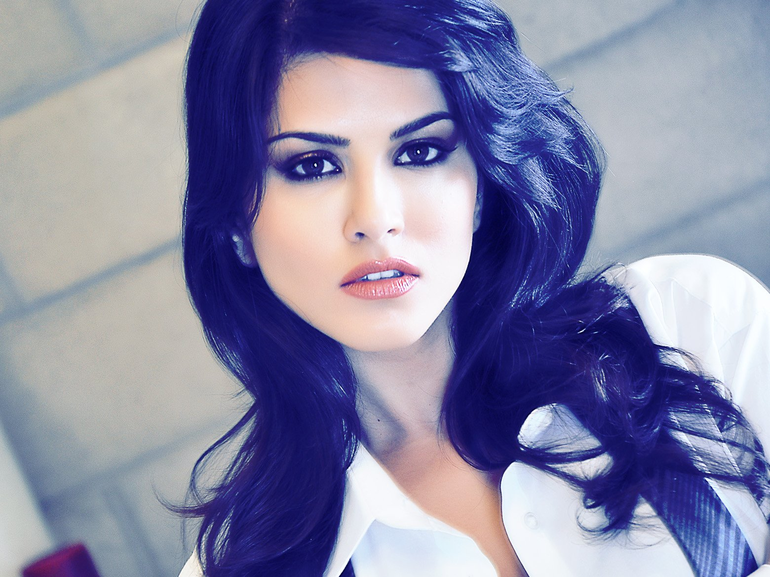 At this time a documentary on Sunny Leone At this time a documentary on Sunny Leone