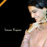 Sonam Kapoor loves to signed books by authors-15