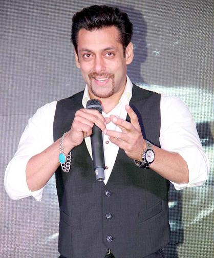 Did Salman Khan lost faith in Bollywood ShahRukh Khan endorses Frooti, Commercial with Kids