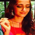 Latest Best Hairstyles of Sonam Kapoor at Khoobsurat Promotions-3