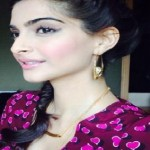 Latest Best Hairstyles of Sonam Kapoor at Khoobsurat Promotions-6