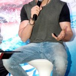 Latest Hrithik Roshan Pictures and his fetish for hats-4