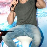 Latest Hrithik Roshan Pictures and his fetish for hats-5