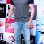 Latest Hrithik Roshan Pictures and his fetish for hats-9