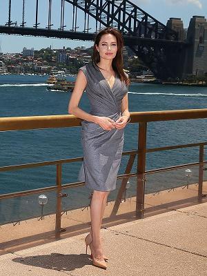 Jennifer Lawrence, Kristin Stewart and more Stylish Dressed Celebrities-9