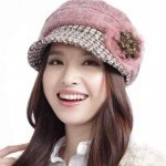 New Designs Of Winter Caps 2014-2015 For Girls-9